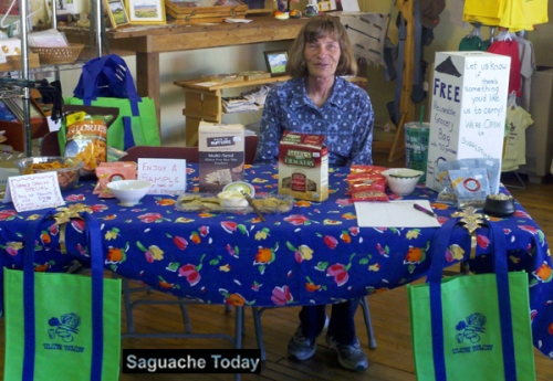 Saguache Works Co-founder Marge Hoglin offers free samples of items sold at the 4th Street Food Store during one of their healthy eating programs. Photo: Saguache Today