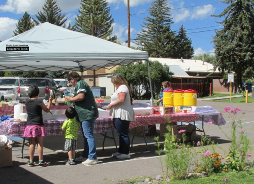 It was big smiles and full bellies at the Annual Sagauche County Employee Appreciaiton Picnic earlier this month. Photo: Saguache Today/Lynn Nowiskee.
