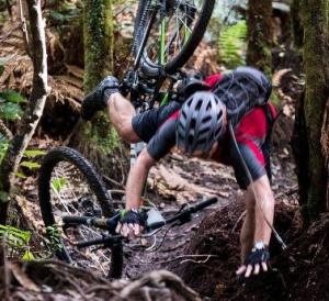 Bike-crash-XTERRA-Rotorua-Photo-Paymark-XTERRA-Rotorua-Festival-e1461115372532