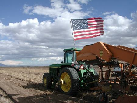 tractor_flag_saguache_mark-hunter